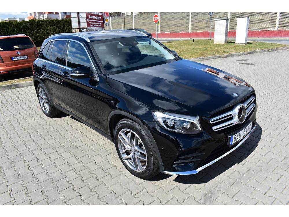 Prodám Mercedes-Benz GLC 250d 4M AMG,Alcantara,Distron.