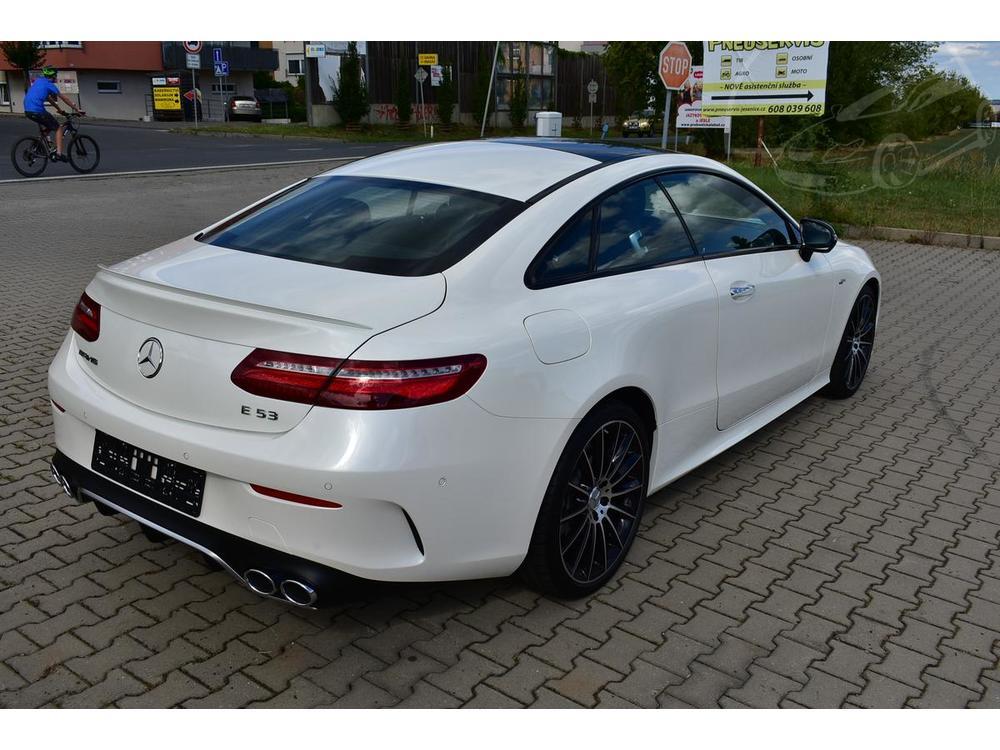 Mercedes-Benz E 53 AMG 4M Coupé, Max výbava