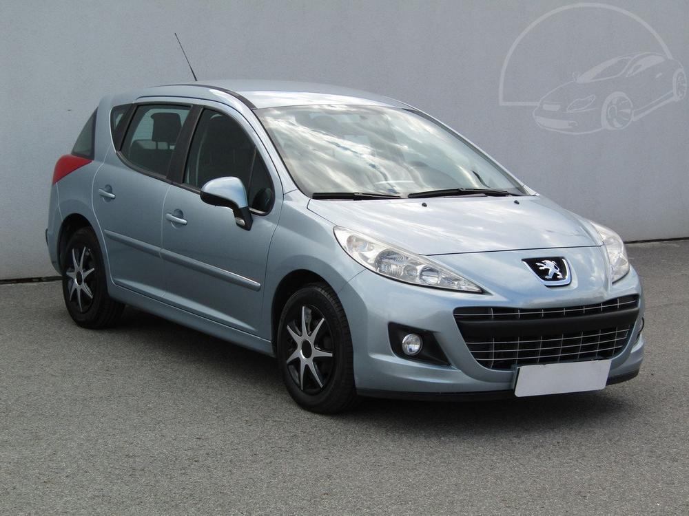 Prodám Peugeot 207 1.6 HDi Serv.kniha, ČR