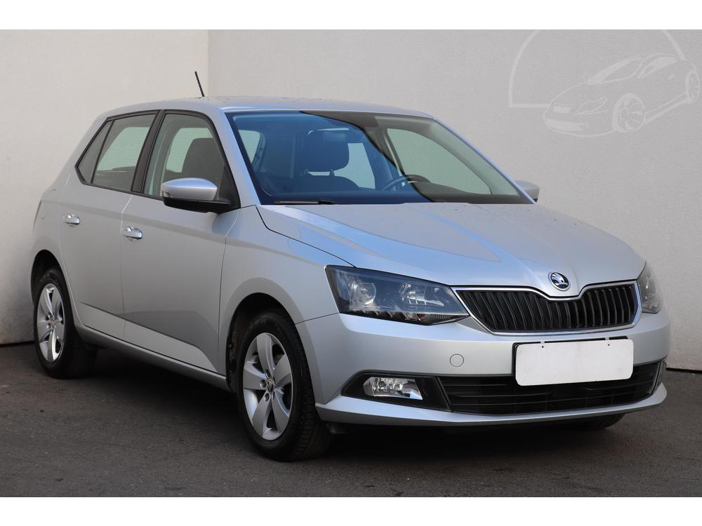 Prodám Škoda Fabia III 1.2 TSI 1.maj Serv.kniha