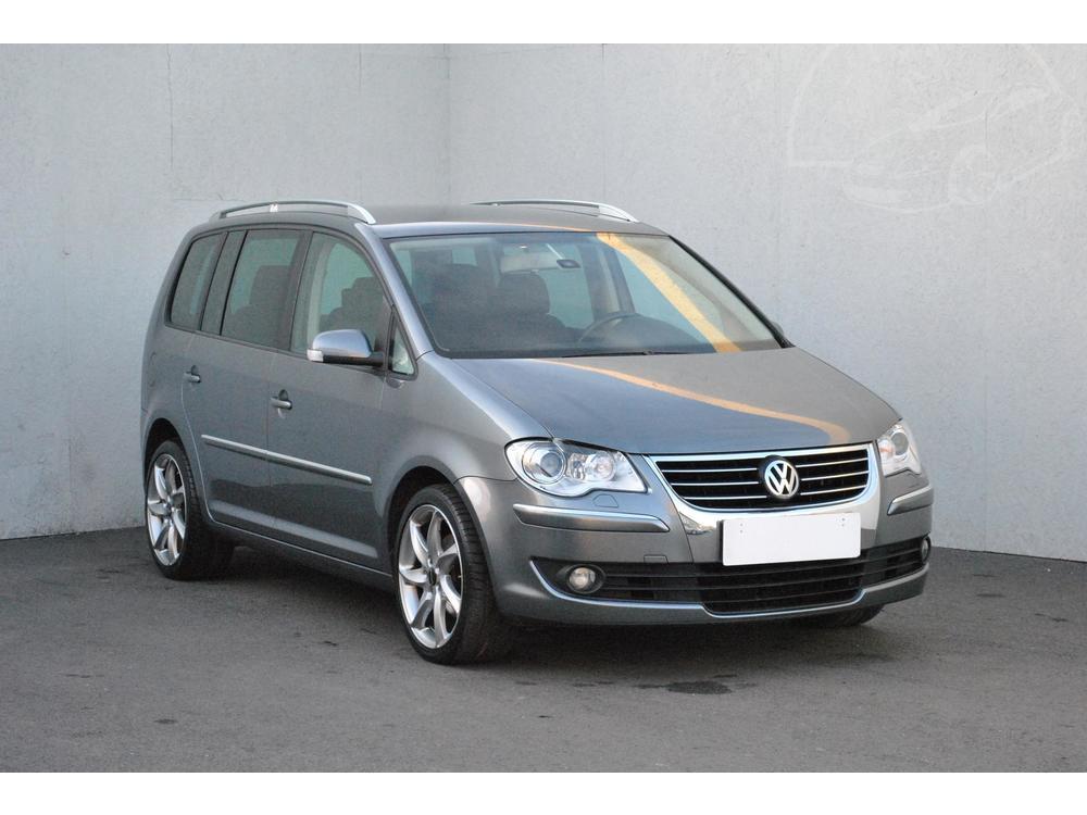 Prodám Volkswagen Touran 2.0 TDi Serv.kniha, ČR