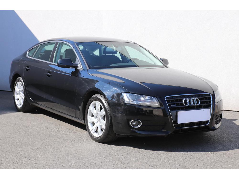 Prodám Audi A5 2.0 TDi Serv.kniha