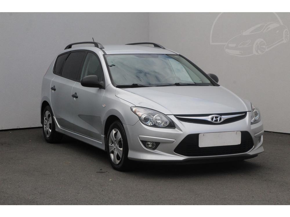 Prodám Hyundai i30 1.4 16 V Serv.kniha, ČR