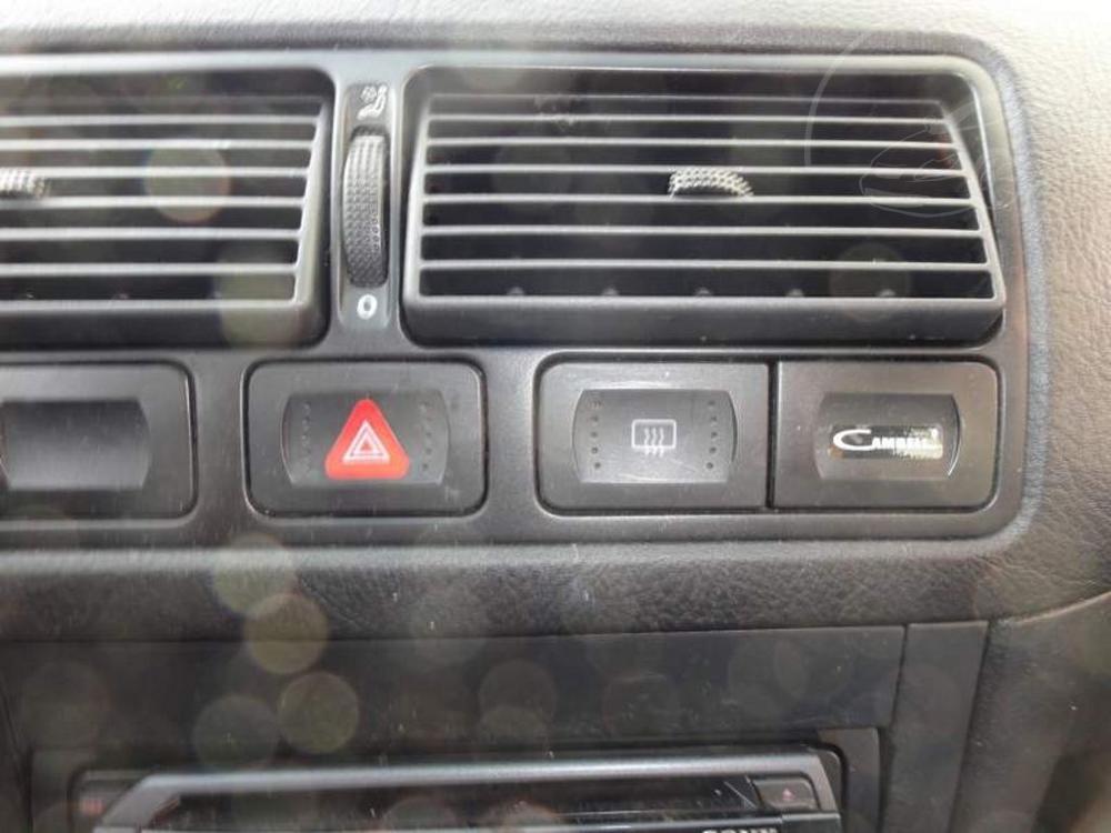 Volkswagen Golf 1,6 AC od FORD67.cz
