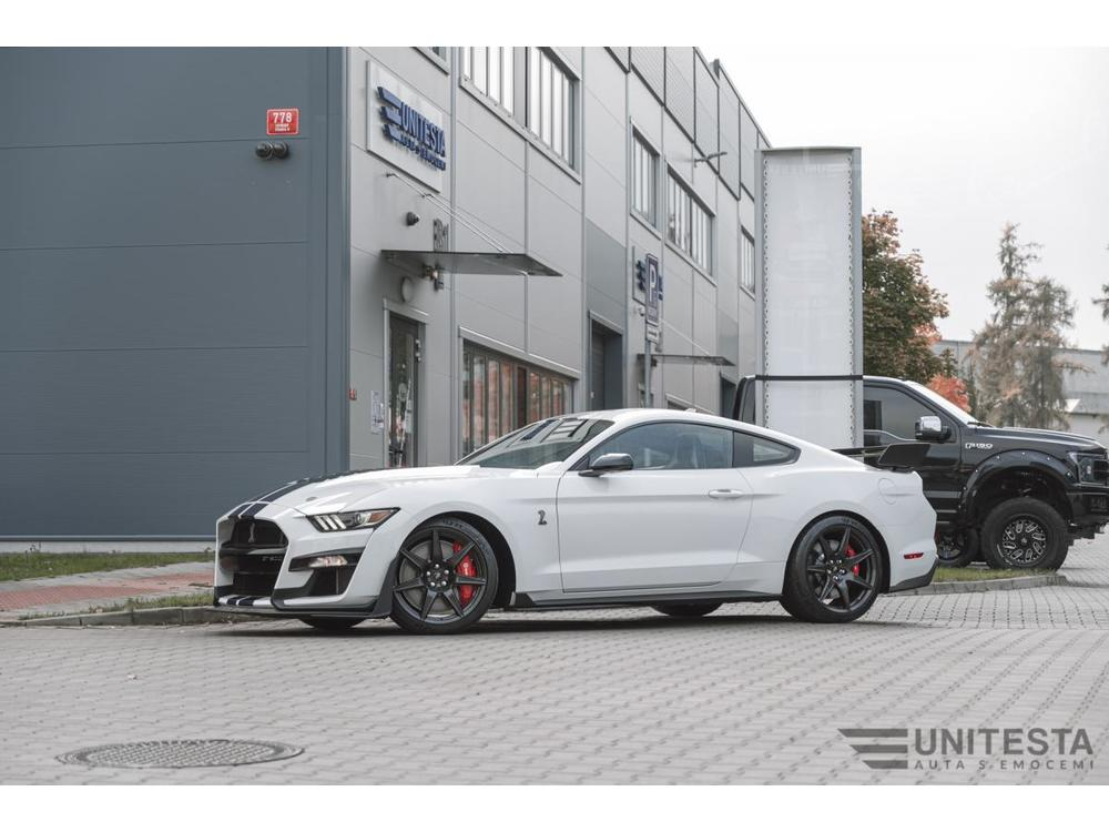 Prodám Ford Mustang Shelby GT500 R - Carbon Fiber