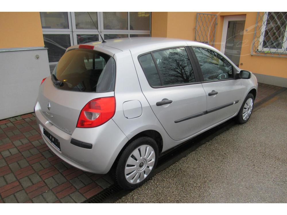 Opel Insignia SportsTourer 1.6 i AUT. KLIMA