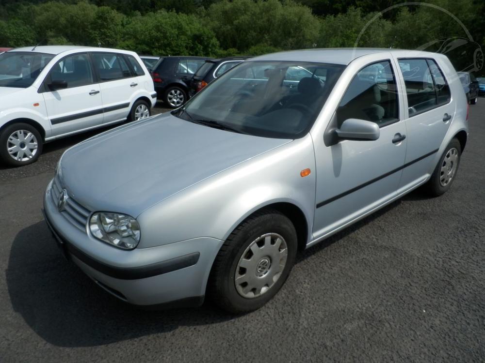 Prodám Volkswagen Golf 1,4 16V KLIMA