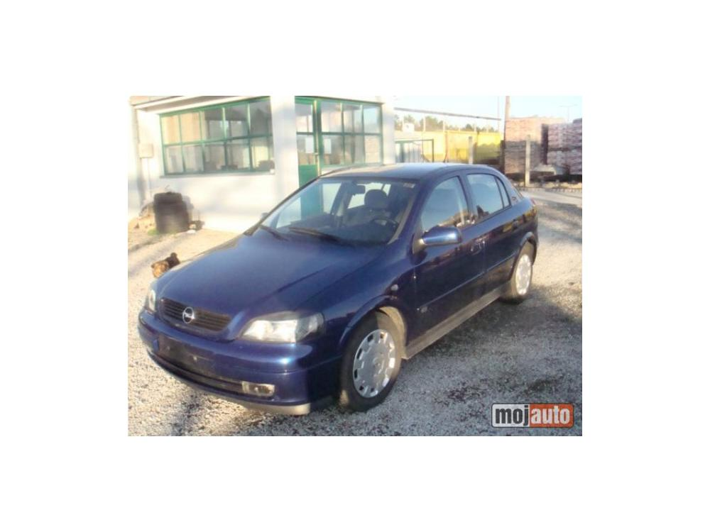 Prod�m Opel Astra 1.7 DTI