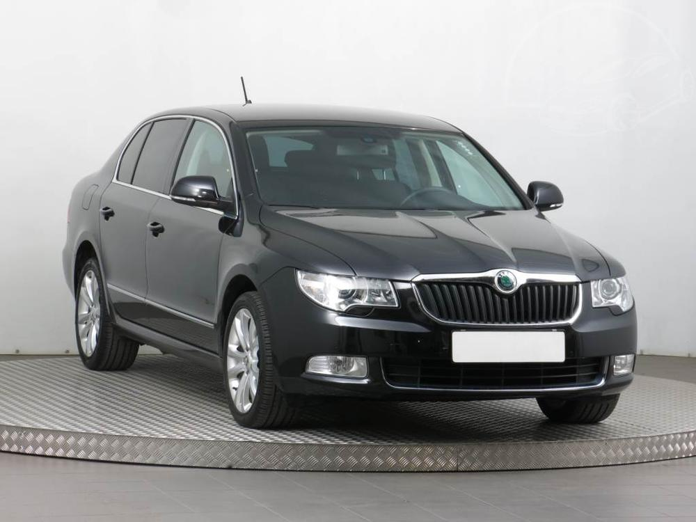 Prod�m �koda Superb 2.0 TDI