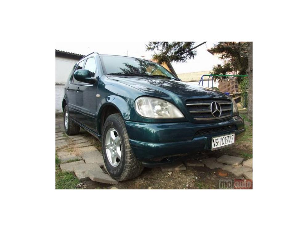 Prod�m Mercedes-Benz ML 320 v6