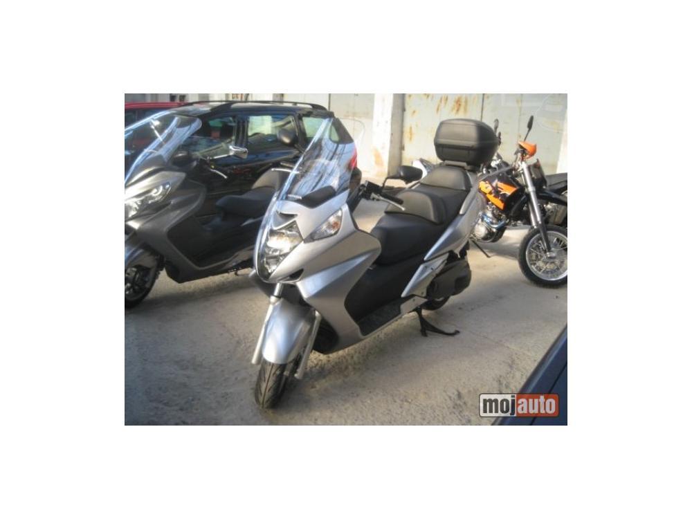 Prodám Honda Silver Wing 600