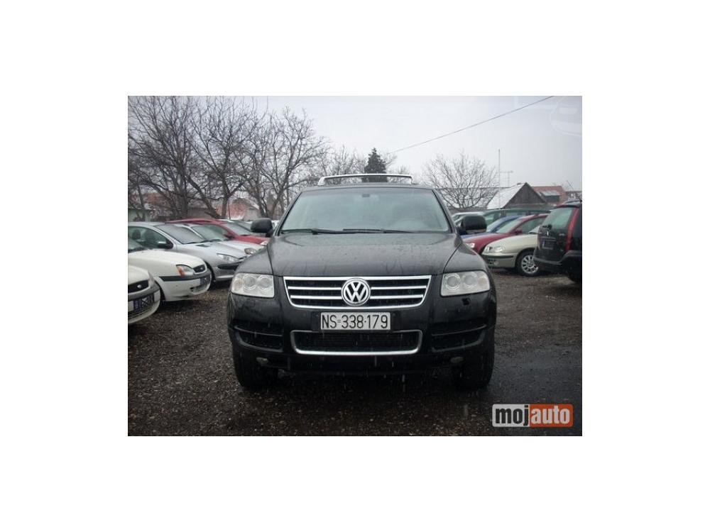 Prodám Volkswagen Touareg 3,2 benzin